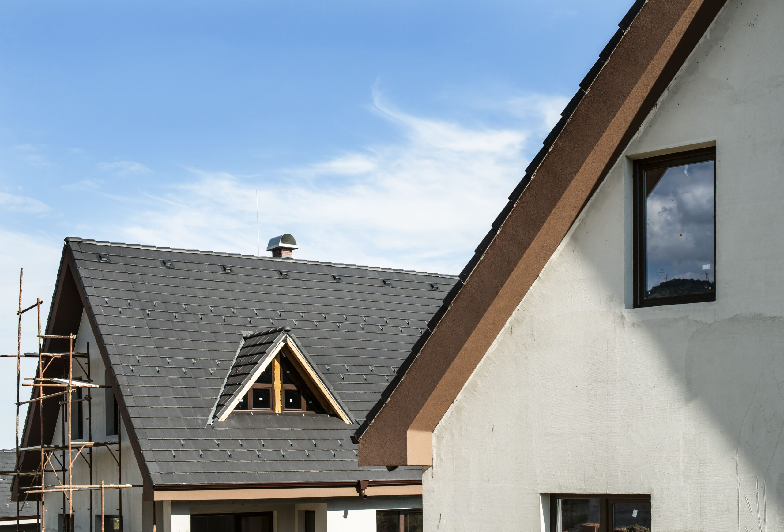 Flat Roof Vs Pitched Roof Cache Roofing
